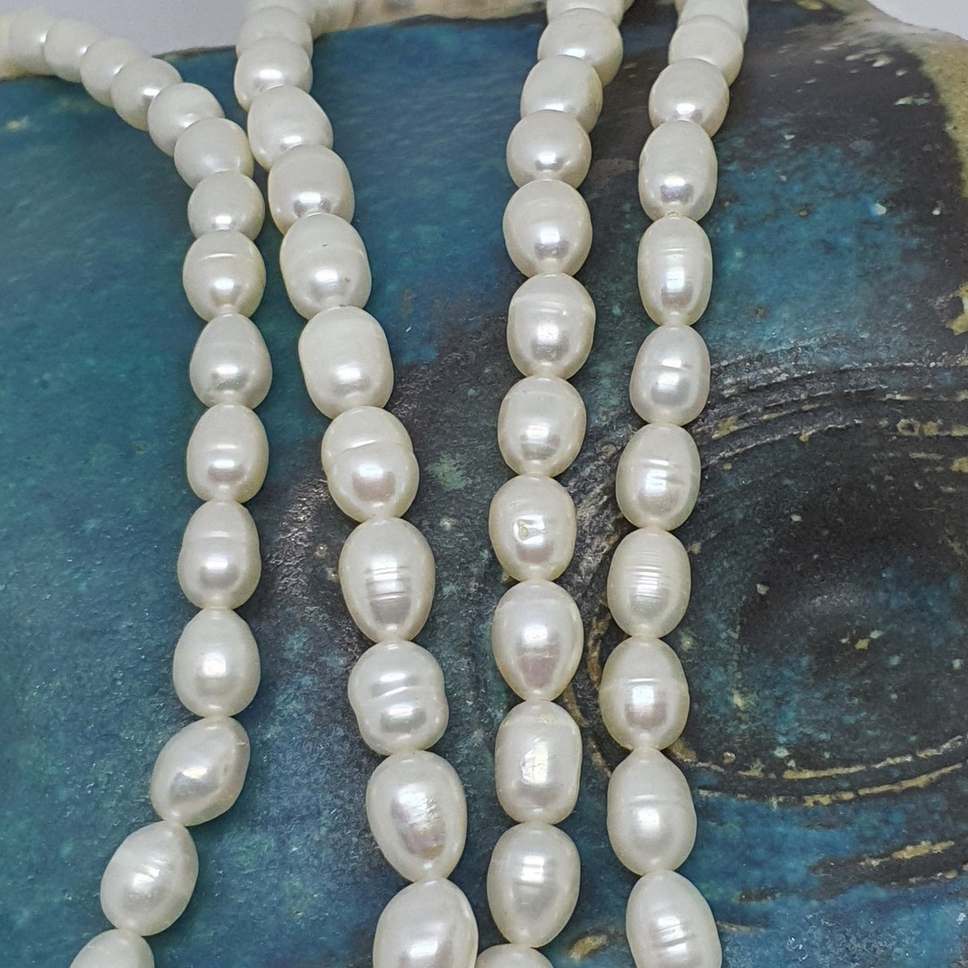 White fresh water pearl strand necklace image 2