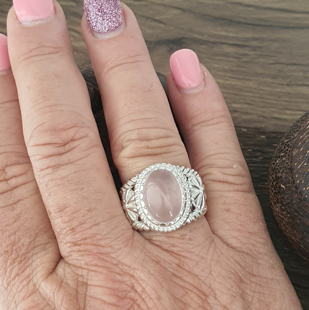 Sterling silver rose quartz flower ring image 3