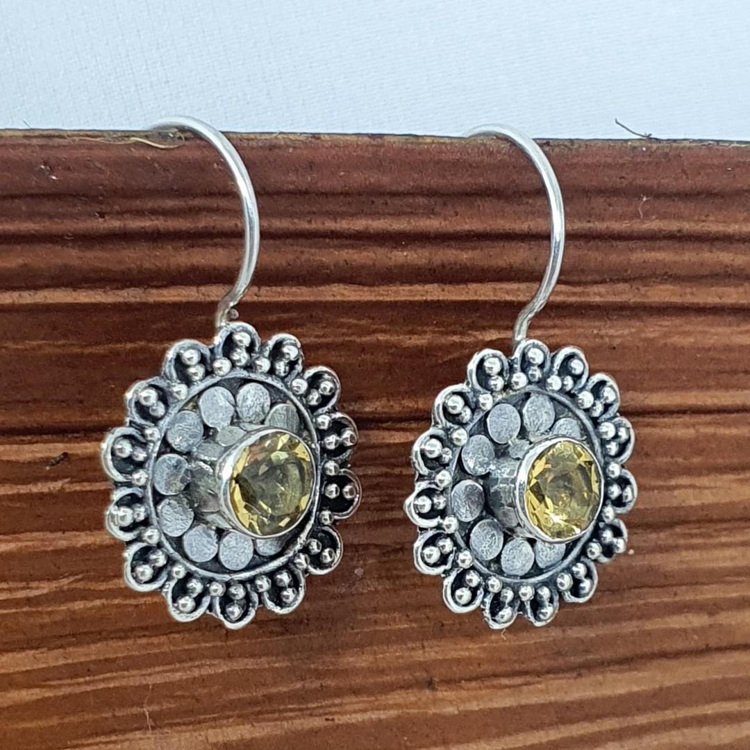Silver citrine flower earrings image 3