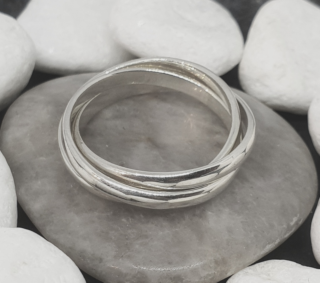 Sterling silver interlocking rings - three bands of funky fun image 3