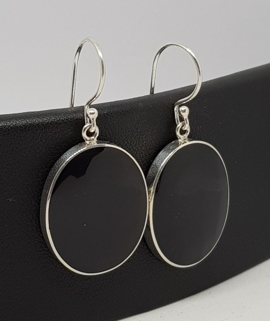 Large oval glossy black shell earrings image 0
