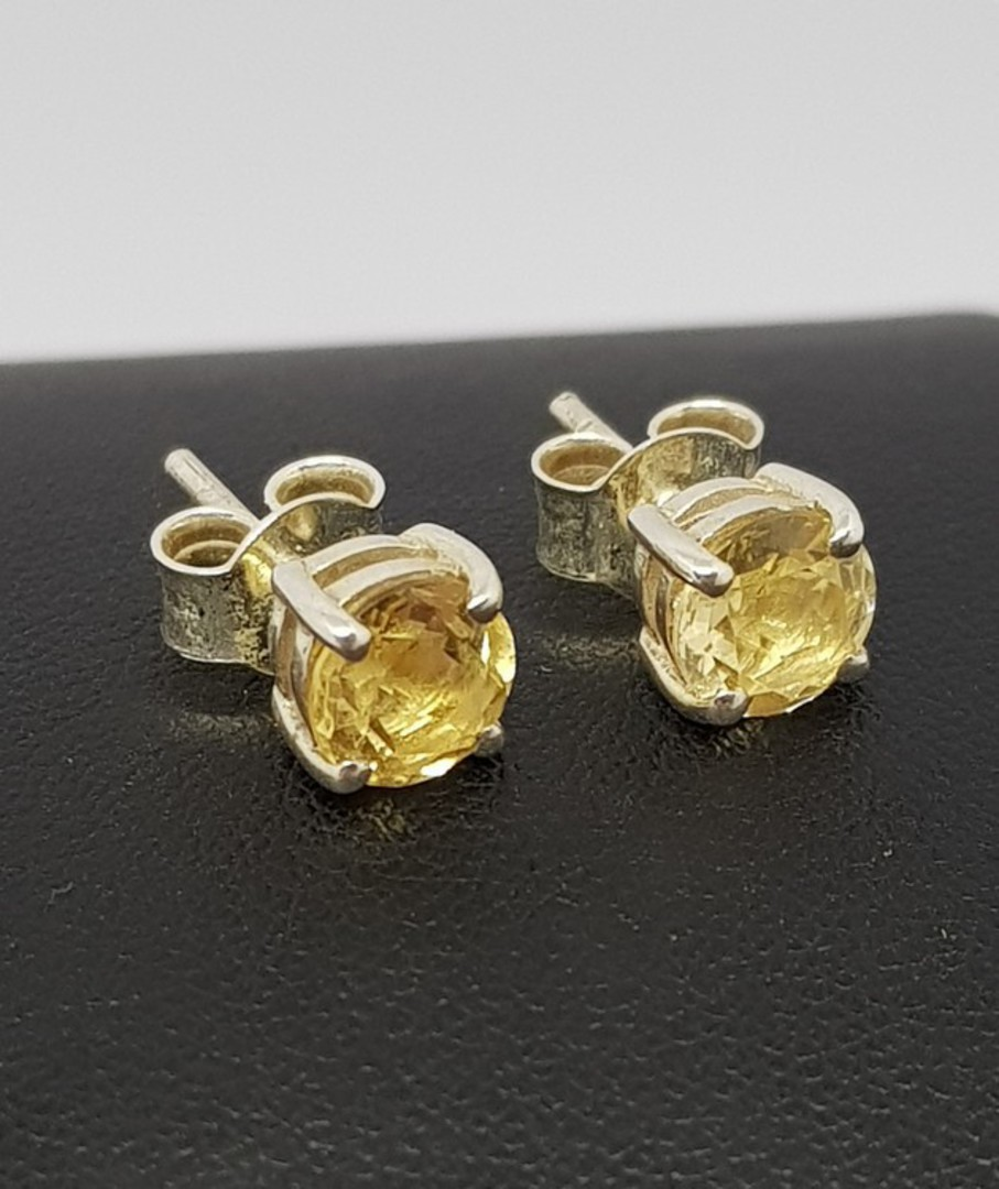 Claw set 6mm citrine stud earrings image 0