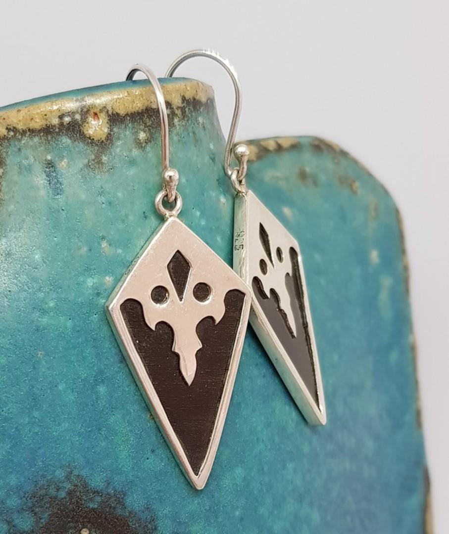 Black resin and silver earrings - last pair image 3
