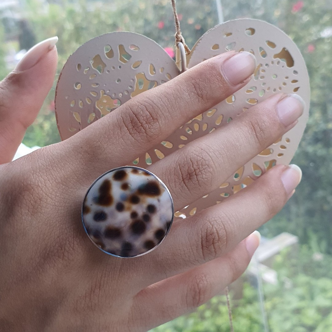 Large round cowrie shell silver ring image 1