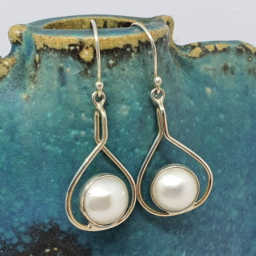 Sterling silver white pearl earrings image 0