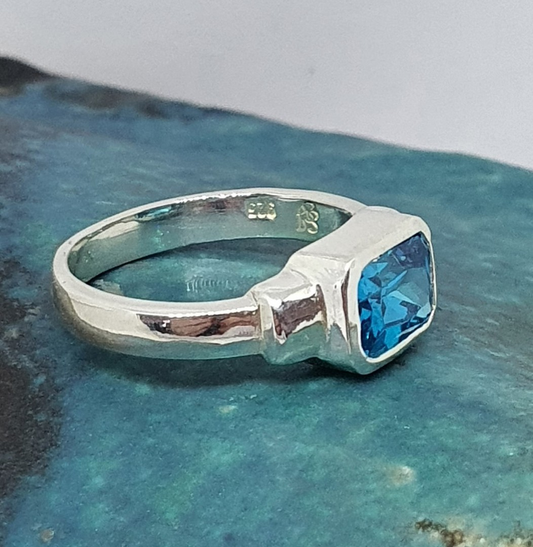 Sterling silver ring with blue topaz rectangle stone image 2