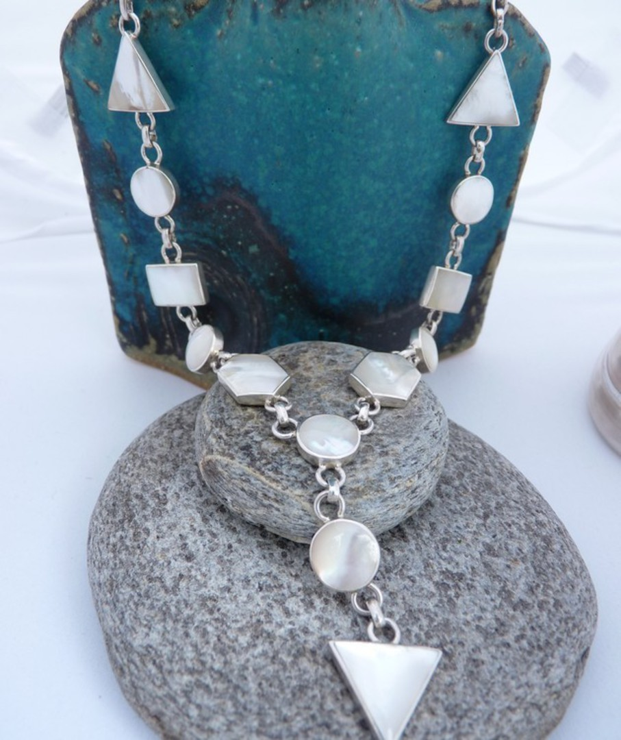 Sterling silver white mother of pearl necklace image 0