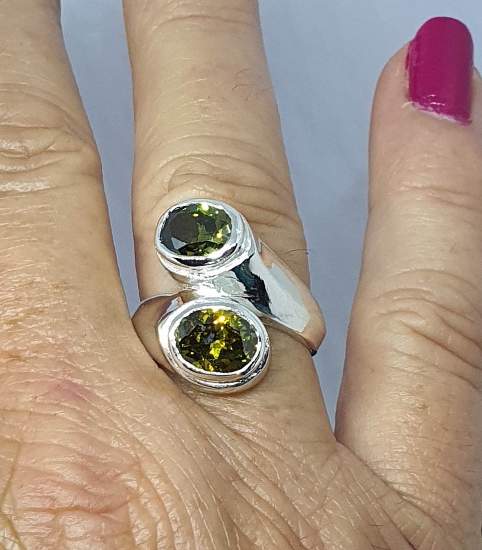 Sterling silver synthetic perdiot ring made in NZ image 1
