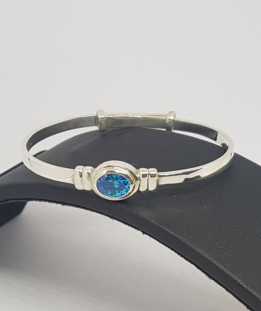 Happy birthday Miss November OR December - Baby birthstone bangle image 1