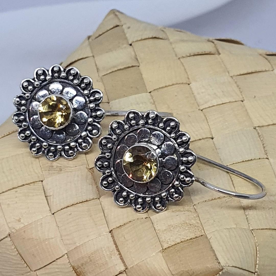 Silver citrine flower earrings image 2