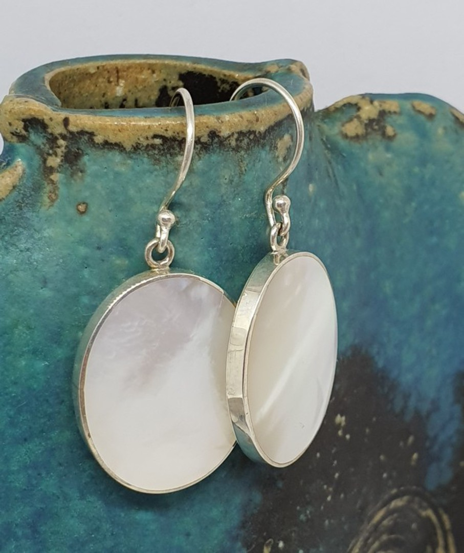 Mother of pearl large oval earrings image 1