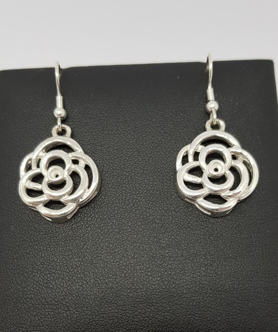 Made in New Zealand, silver flower earrings image 1