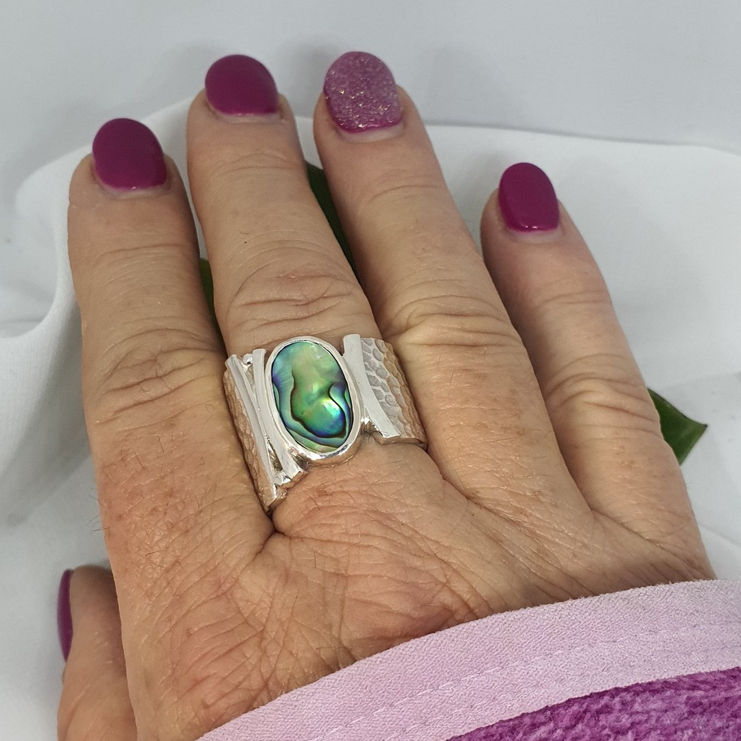 Wide hammered silver ring with NZ paua shell image 3