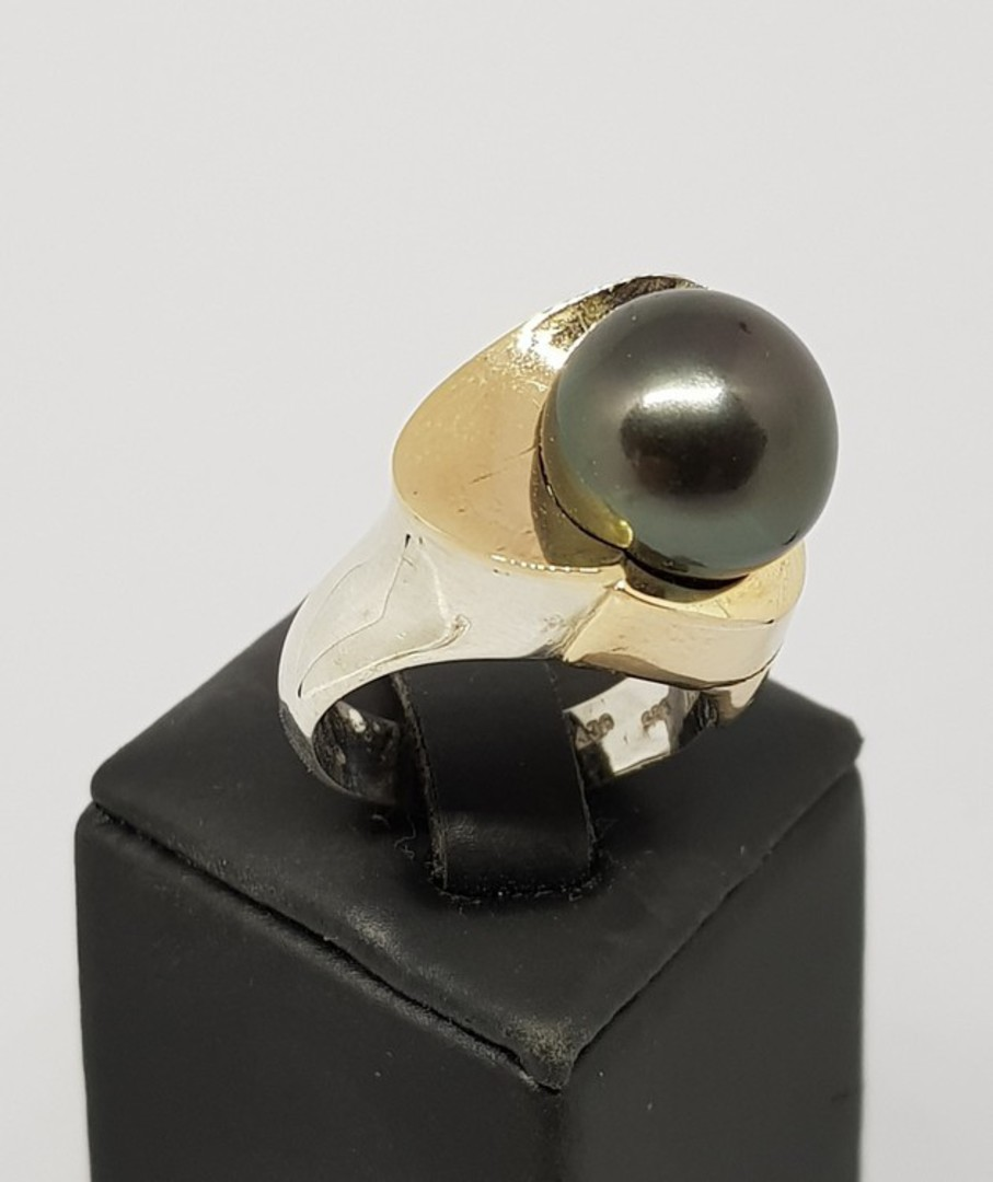 Black Tahitian pearl silver ring - with solid gold image 1