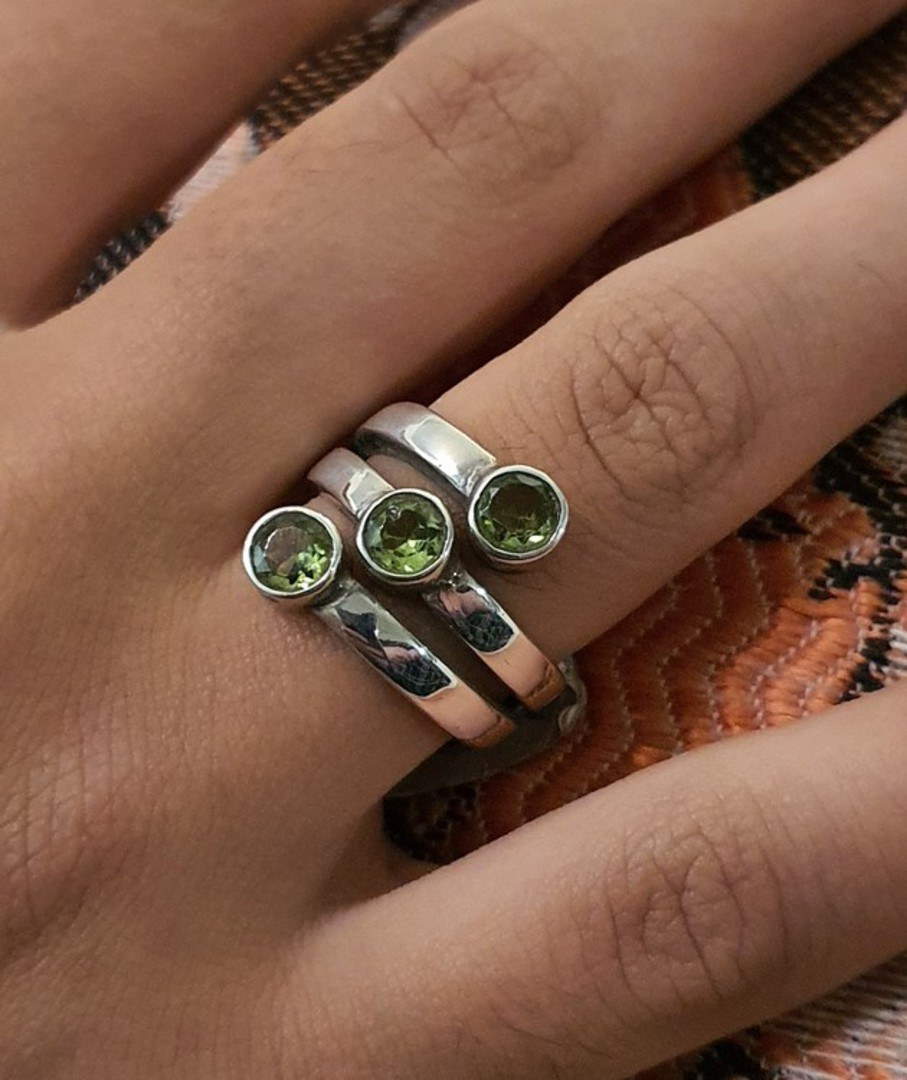 Three stone sterling silver ring band image 1