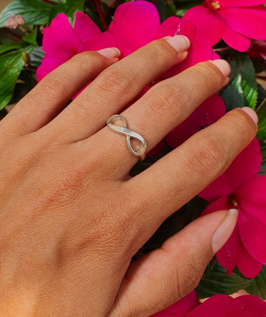 Sterling silver infinity ring band - made in NZ image 1
