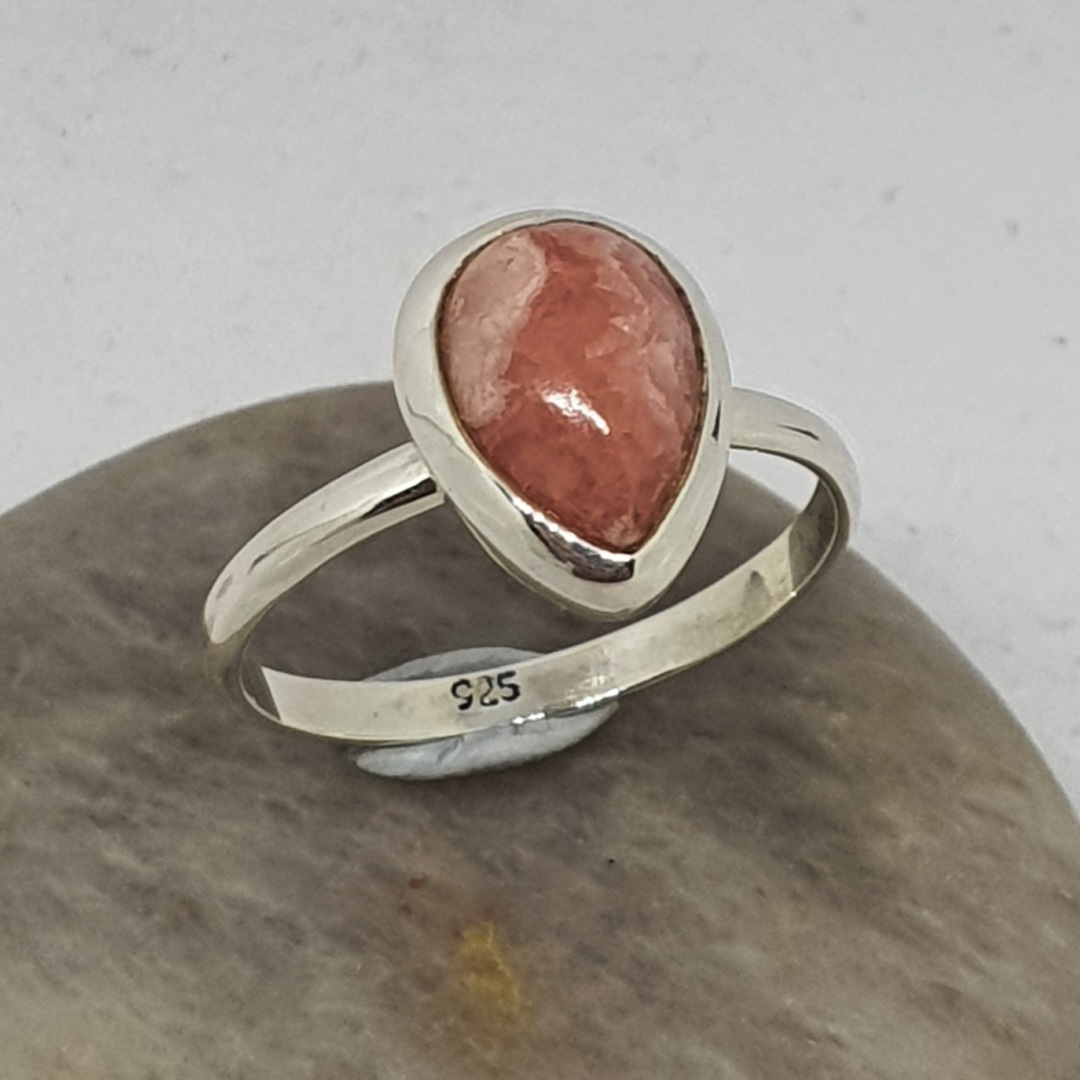 Teardrop rhodochrosite gemstone ring image 2