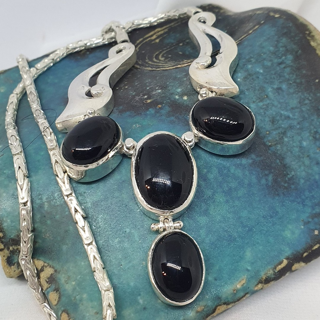 Made in NZ  - sterling silver black onyx necklace image 1
