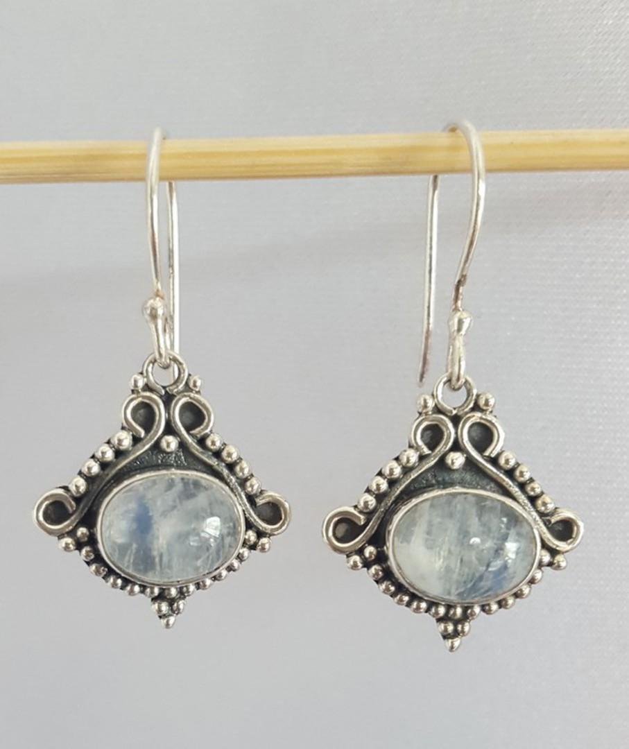 Decorative silver moonstone earrings image 1