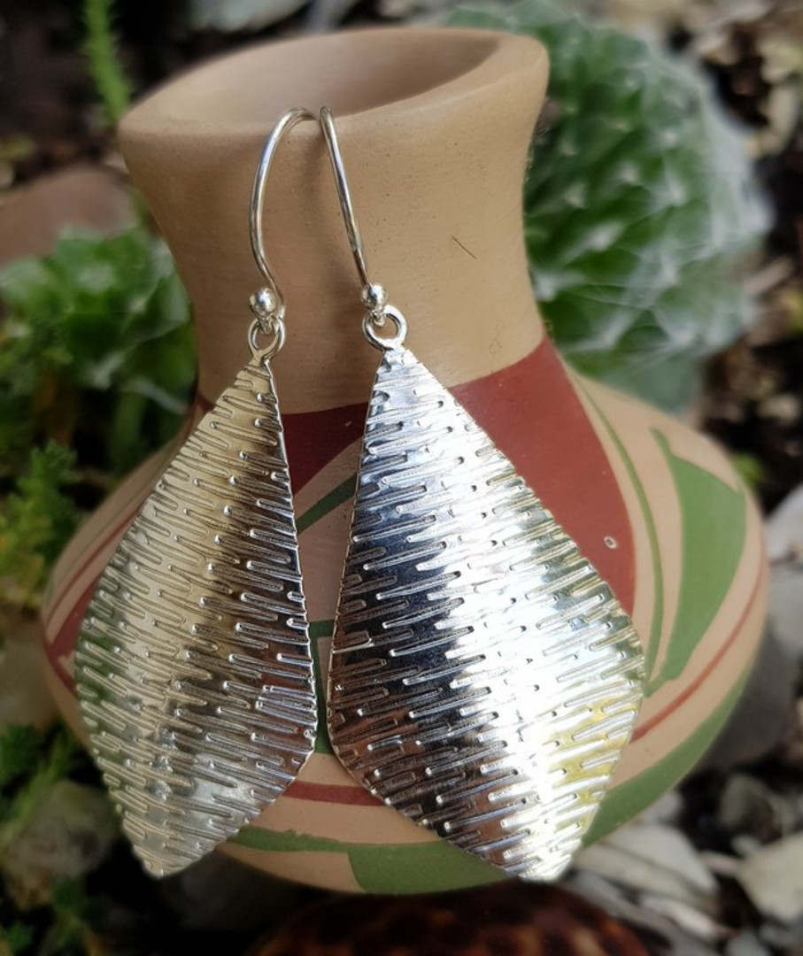 Sterling silver large, decorated kite shape hook earrings image 3