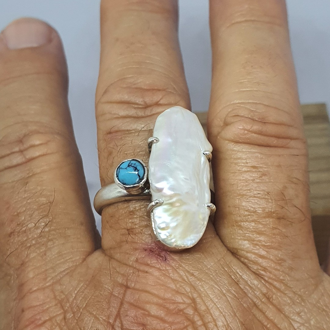 Large fresh water pearl offset with turquoise gemstone, sterling silver ring image 3