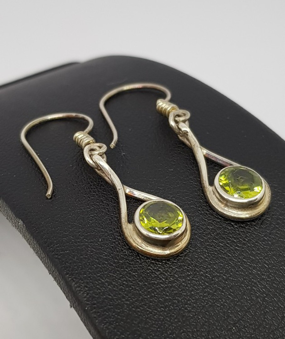 Sterling silver peridot earrings image 1