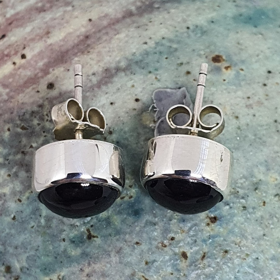 Sterling silver onyx stud earrings image 2
