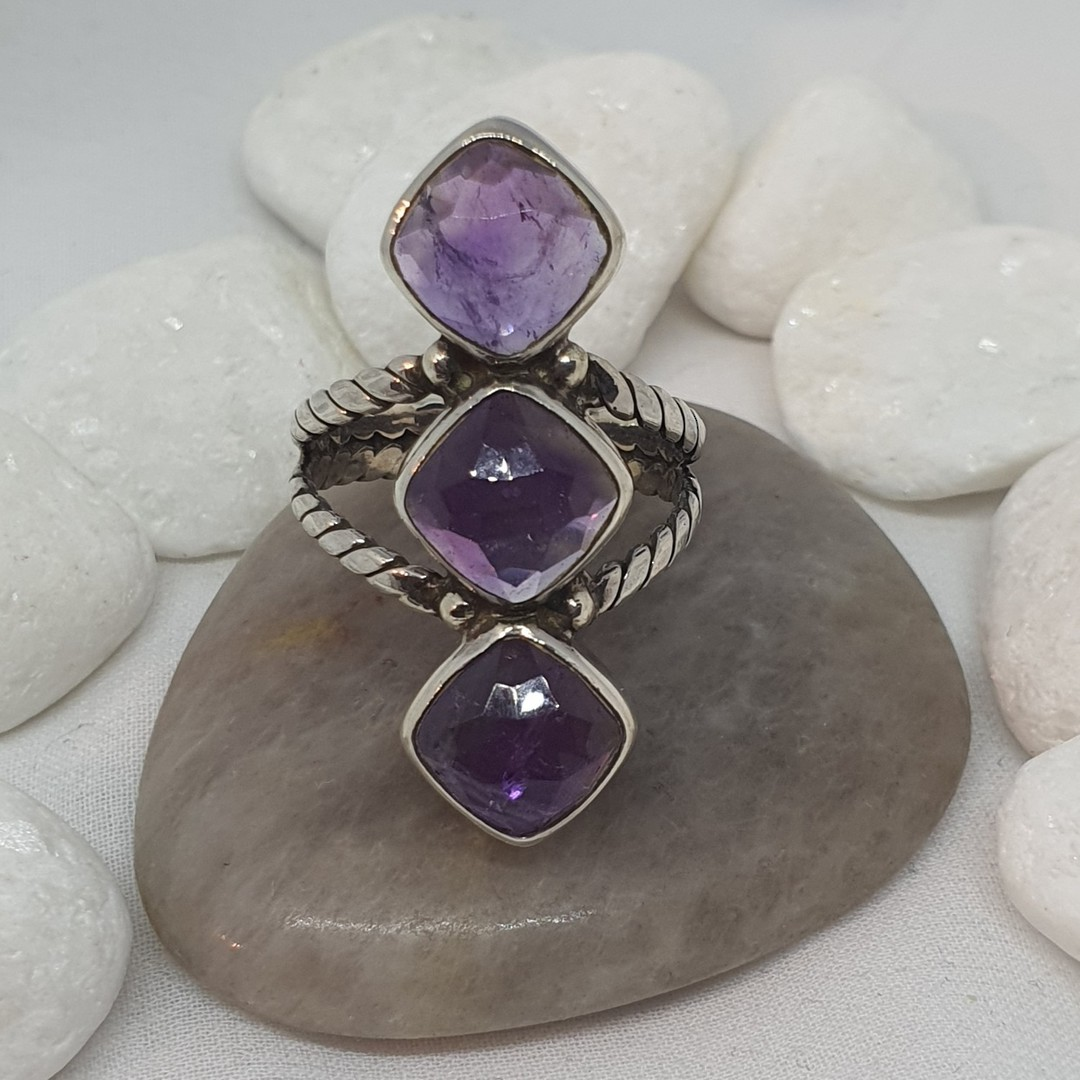 Sterling silver ring with three facet cut amethyst gems image 2