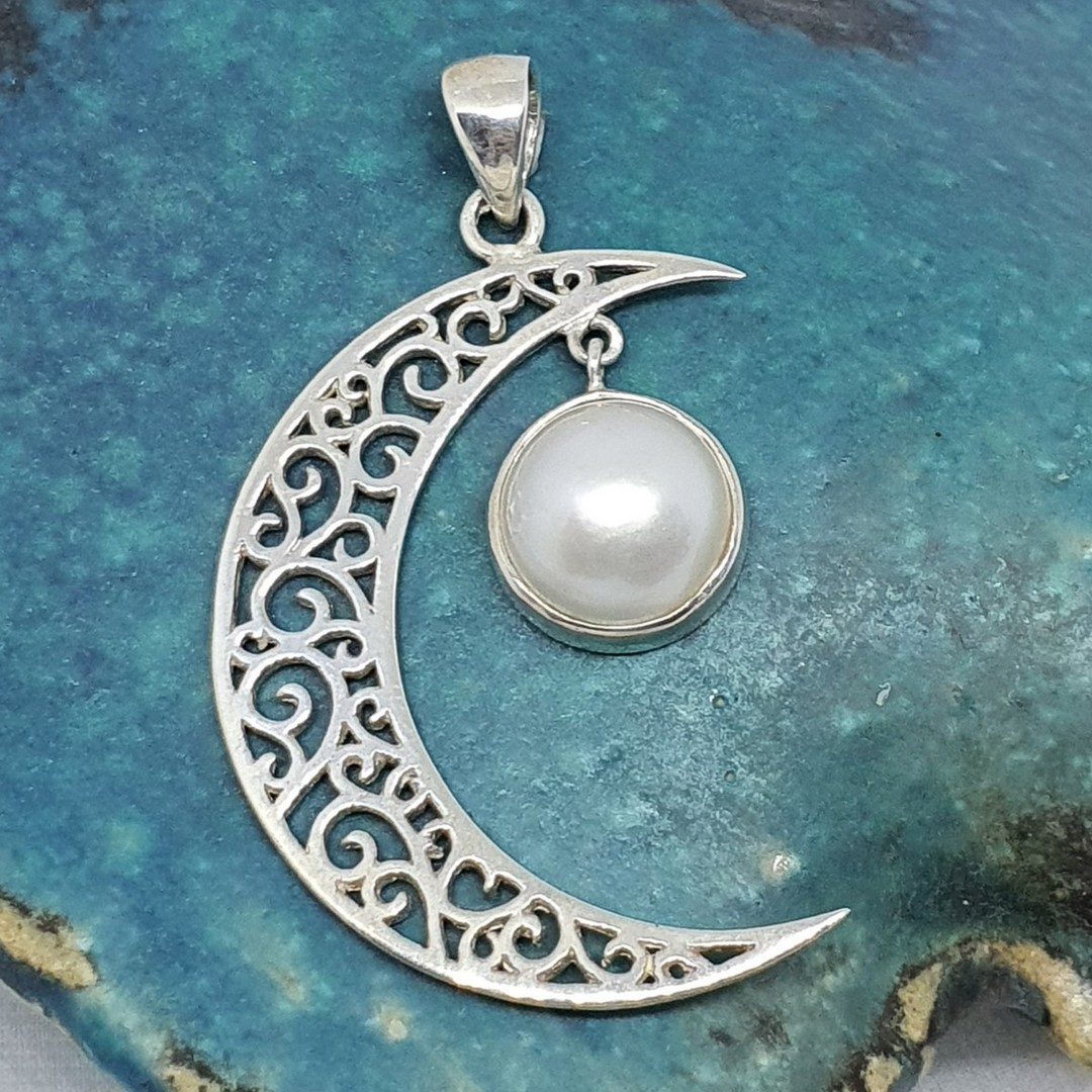Silver crescent moon pendant with pearl image 0