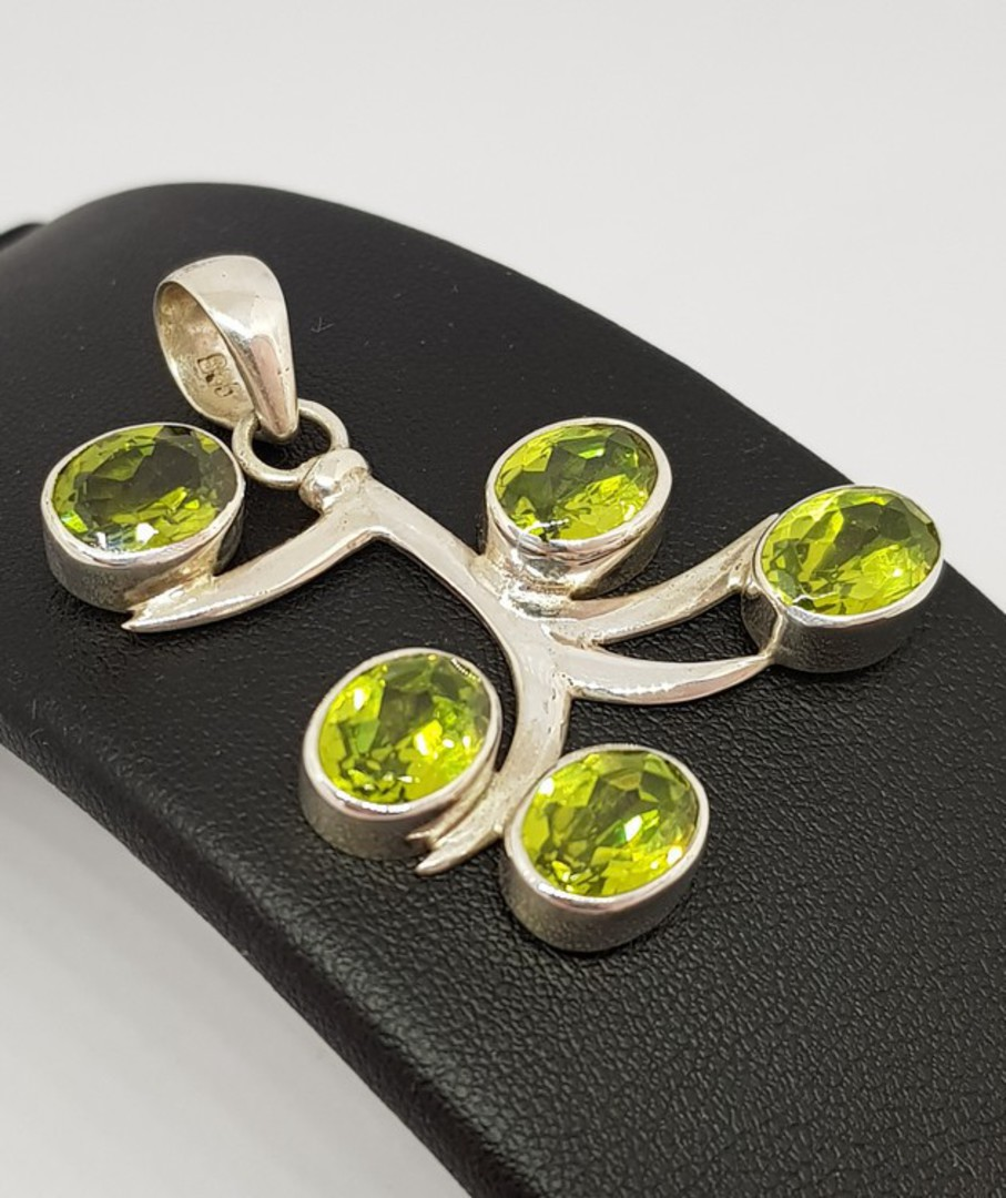 Sterling silver green peridot pendant - NOW HALF PRICE! image 1