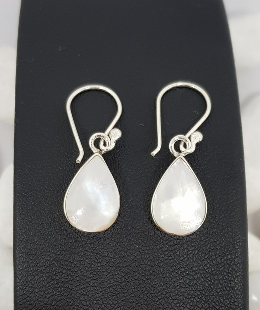 Teardrop mother of pearl earrings image 3