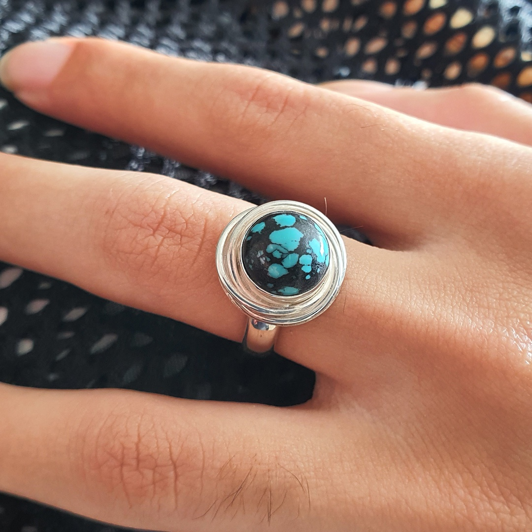 Sterling silver turquoise ring image 2