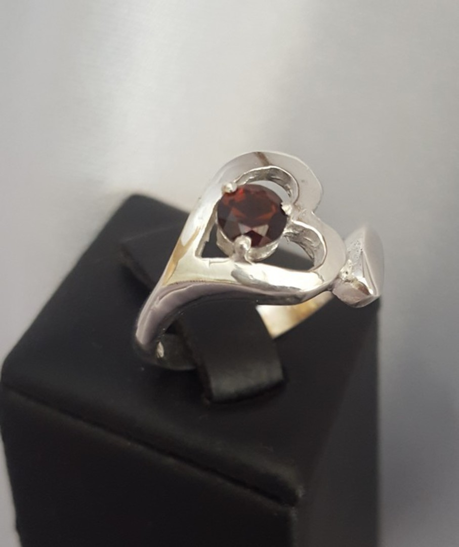 Silver heart ring with garnet gemstone image 2