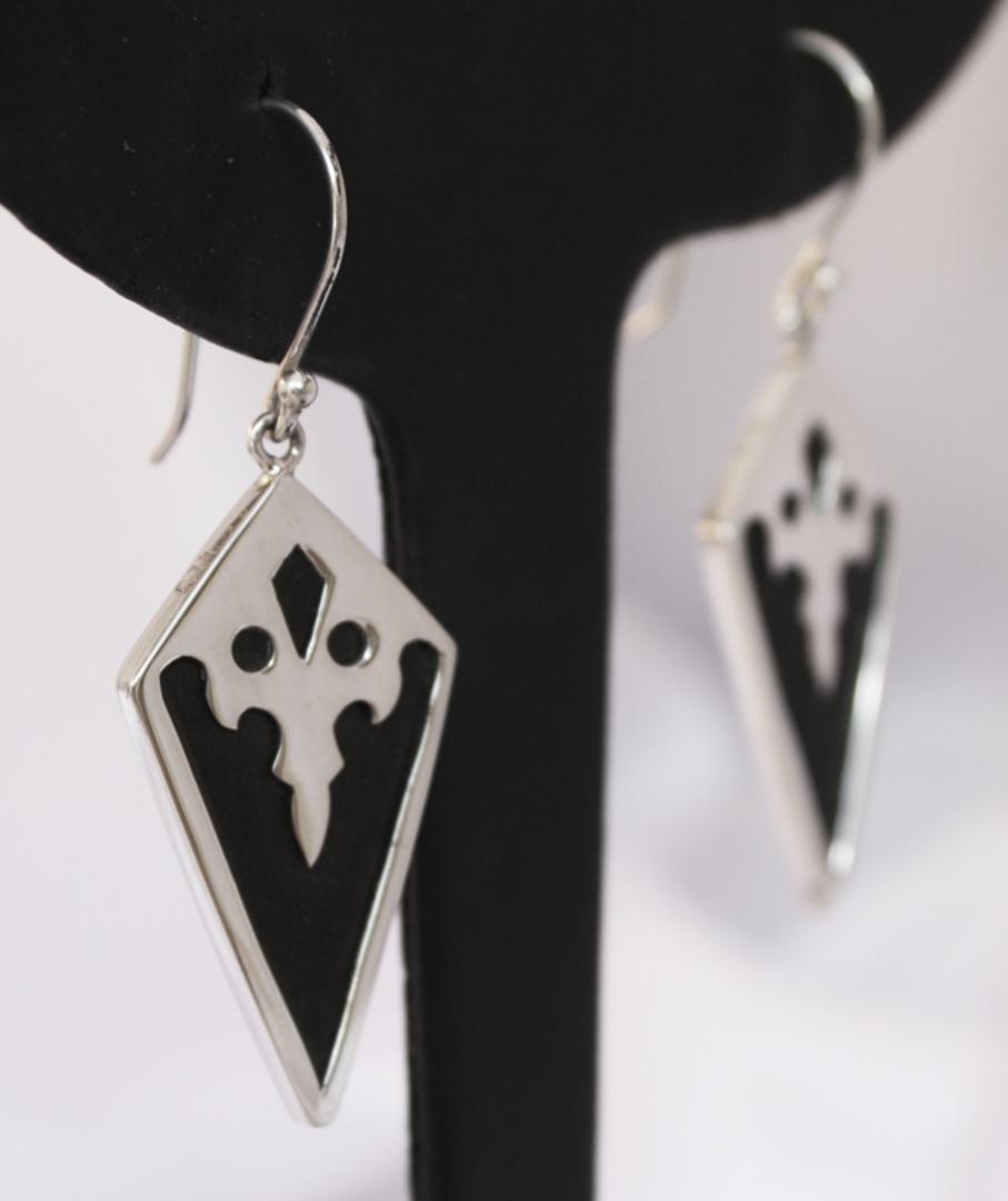 Black resin and silver earrings - last pair image 1