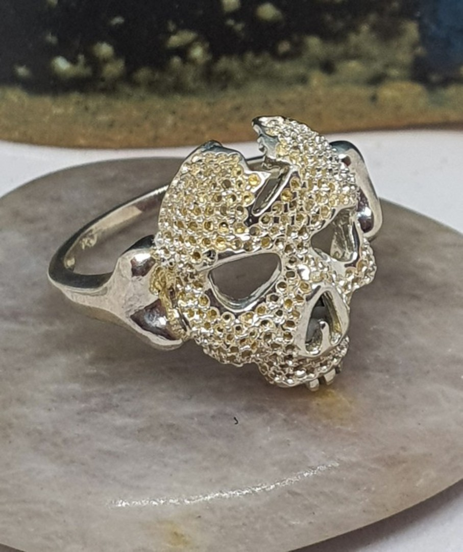 Sterling silver skull ring image 2