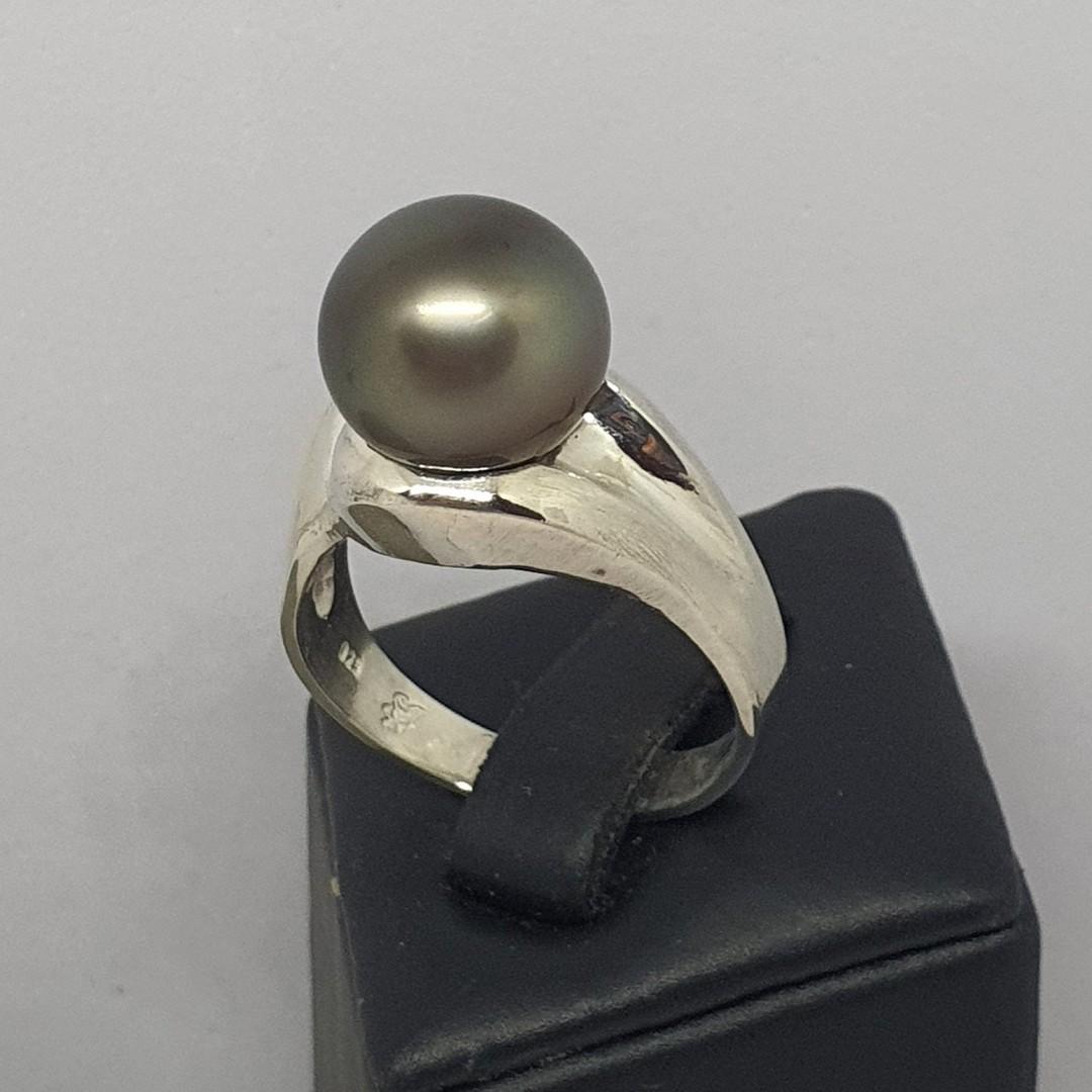 Black Tahitian pearl ring - made in NZ image 0