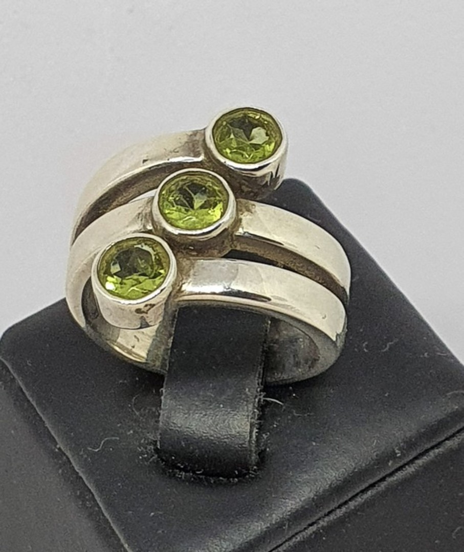 Three stone sterling silver ring band image 0