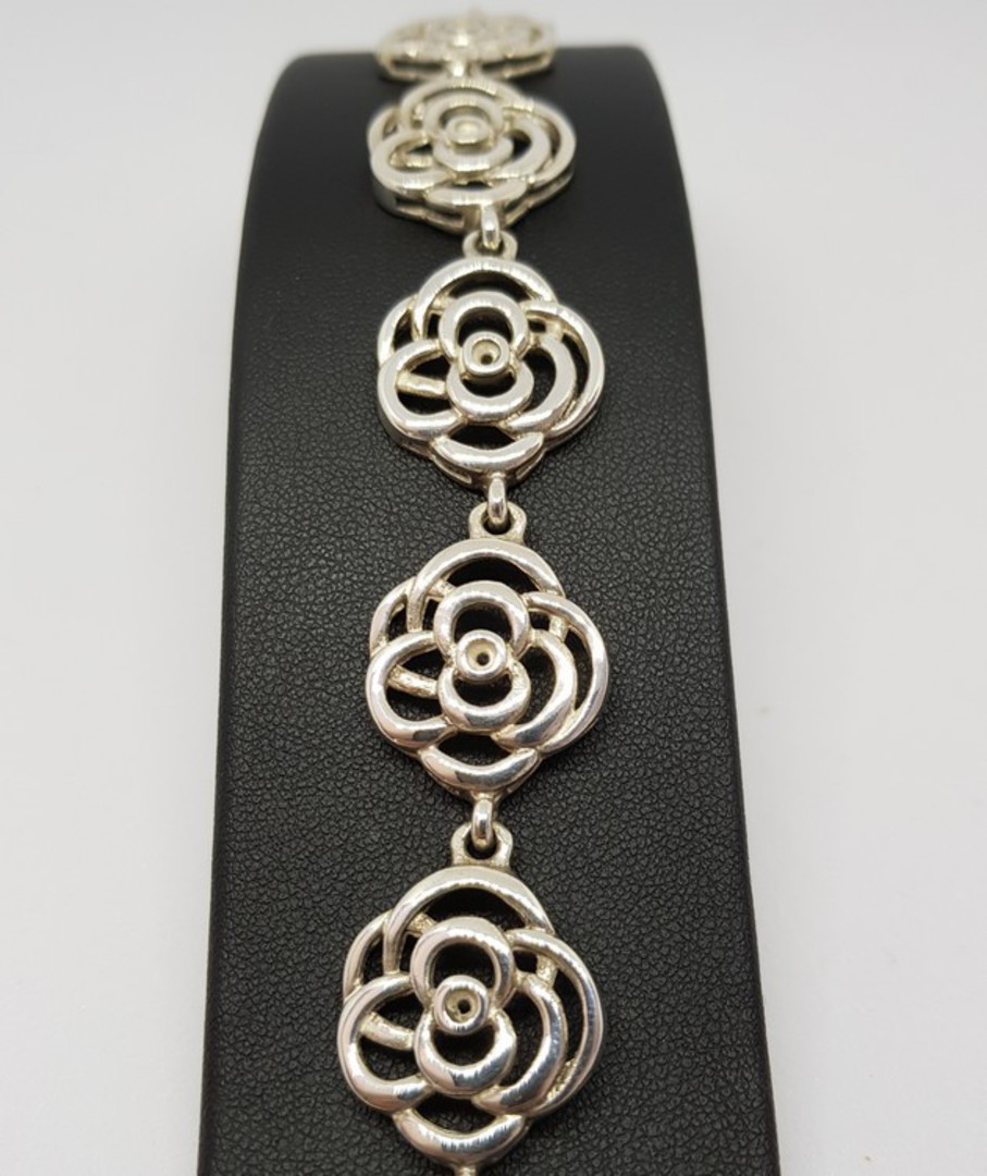 Exquisite, NZ made sterling silver flower bracelet image 1
