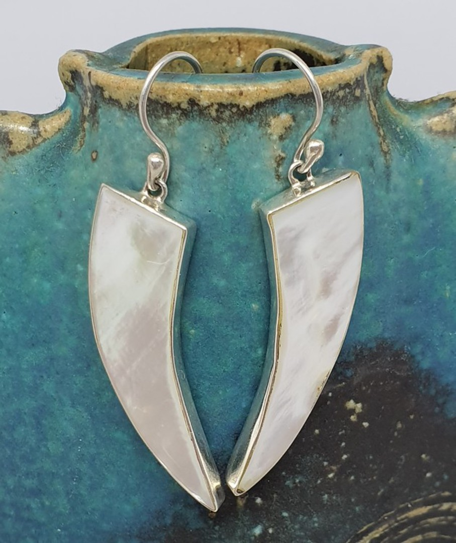 Mother of pearl elongated silver earrings image 0