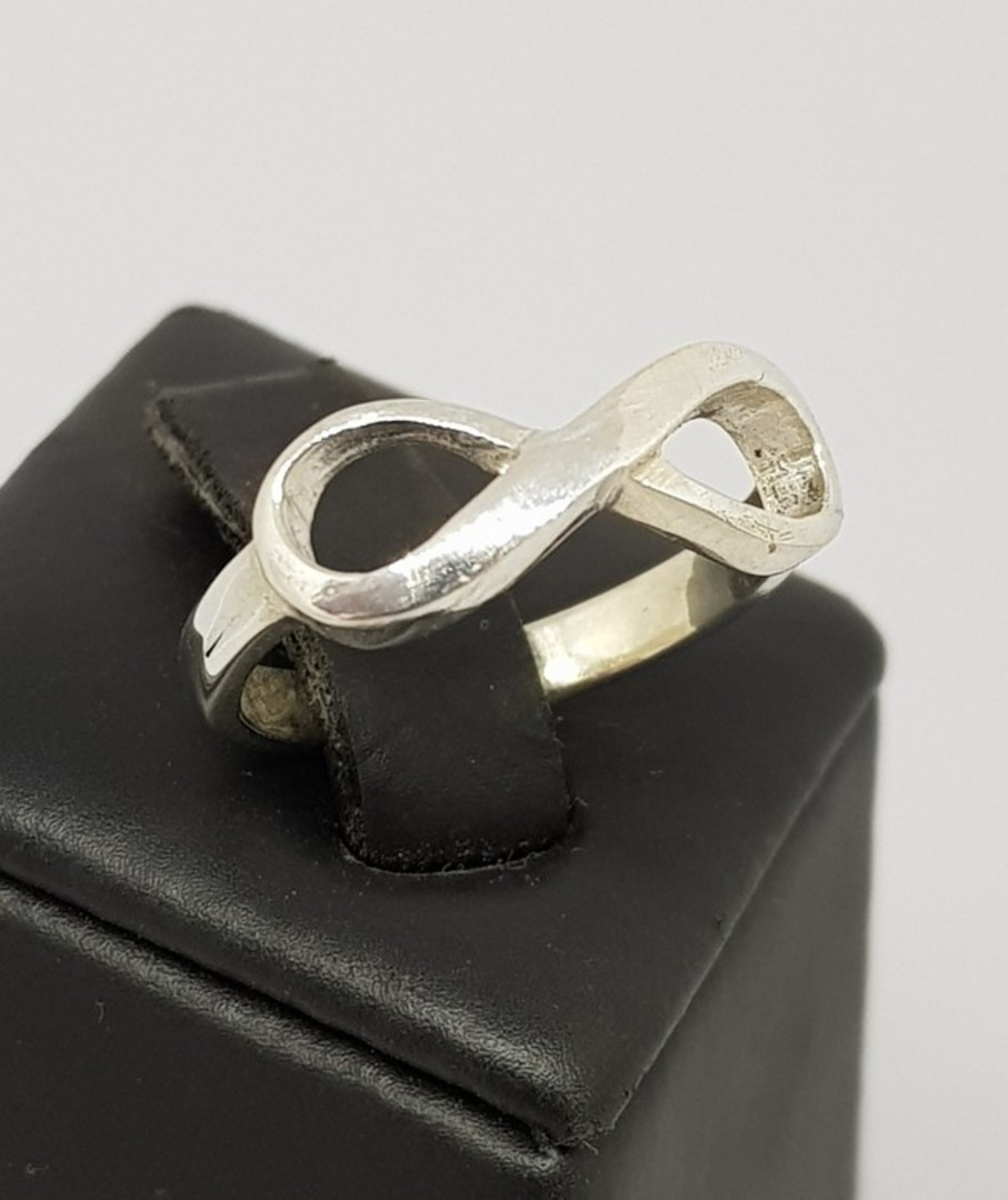 Sterling silver infinity ring band - made in NZ image 0