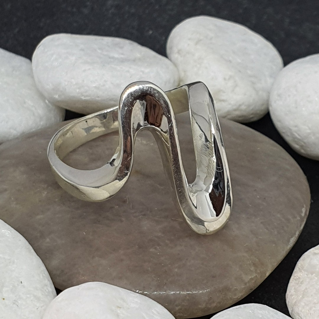 Sterling silver elongated open wave ring - made in NZ image 3