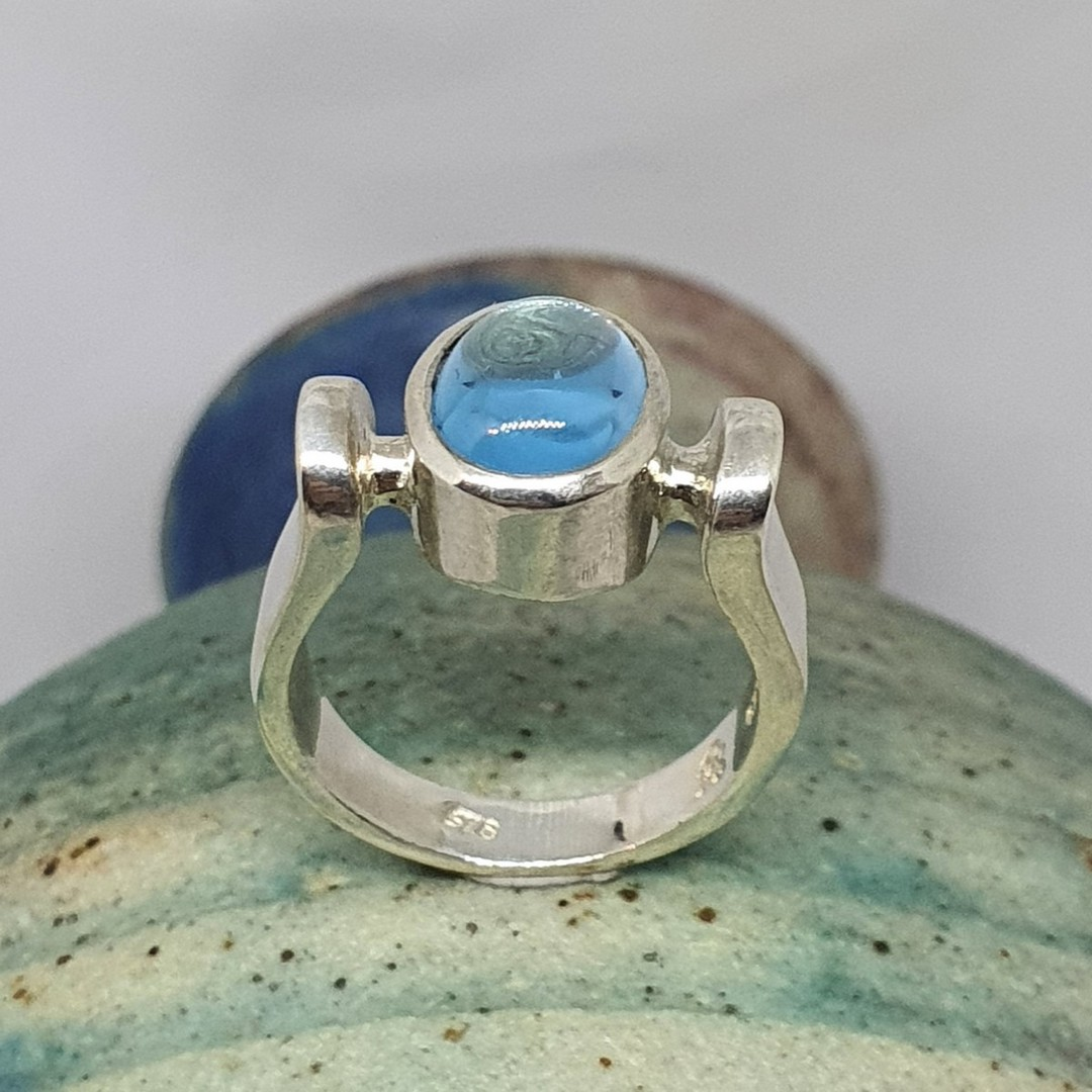 Sterling silver ring with blue gemstone image 2