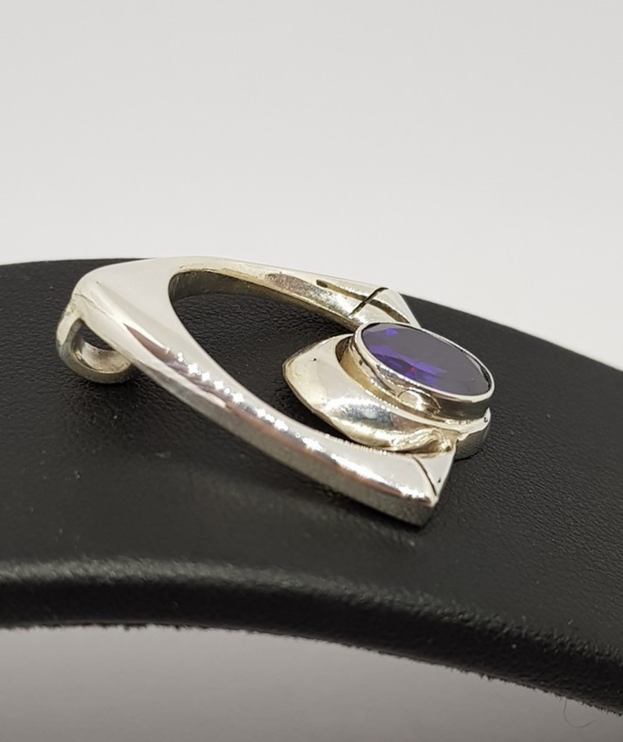 Sterling silver amethyst pendant - open triangle design image 1