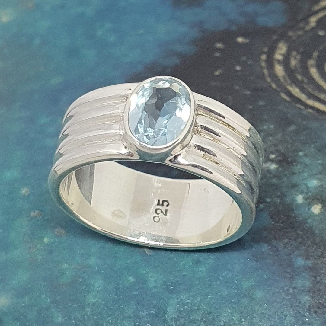 Sterling silver blue topaz ring image 4