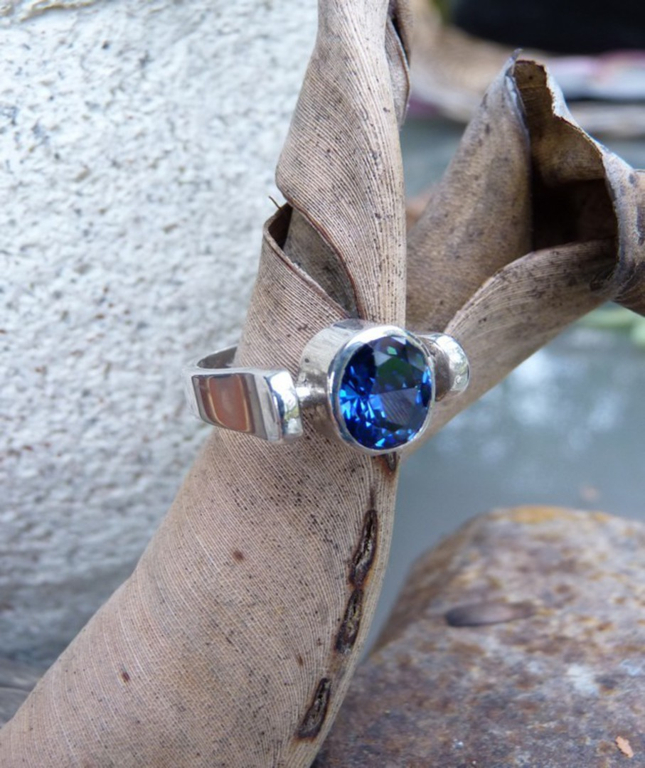 Sterling silver ring with deep blue stone image 3