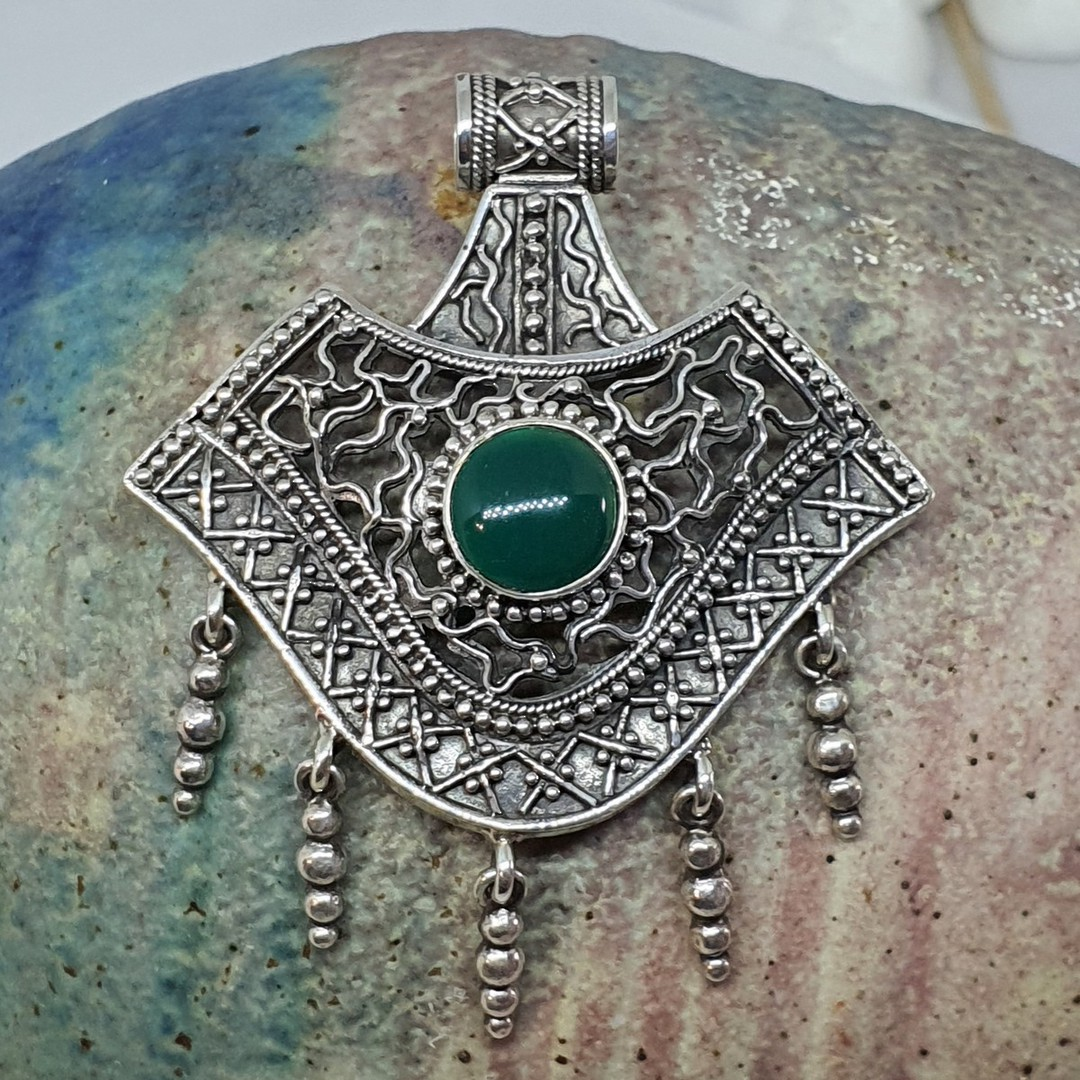 Spectacular green gemstone sterling silver pendant image 2