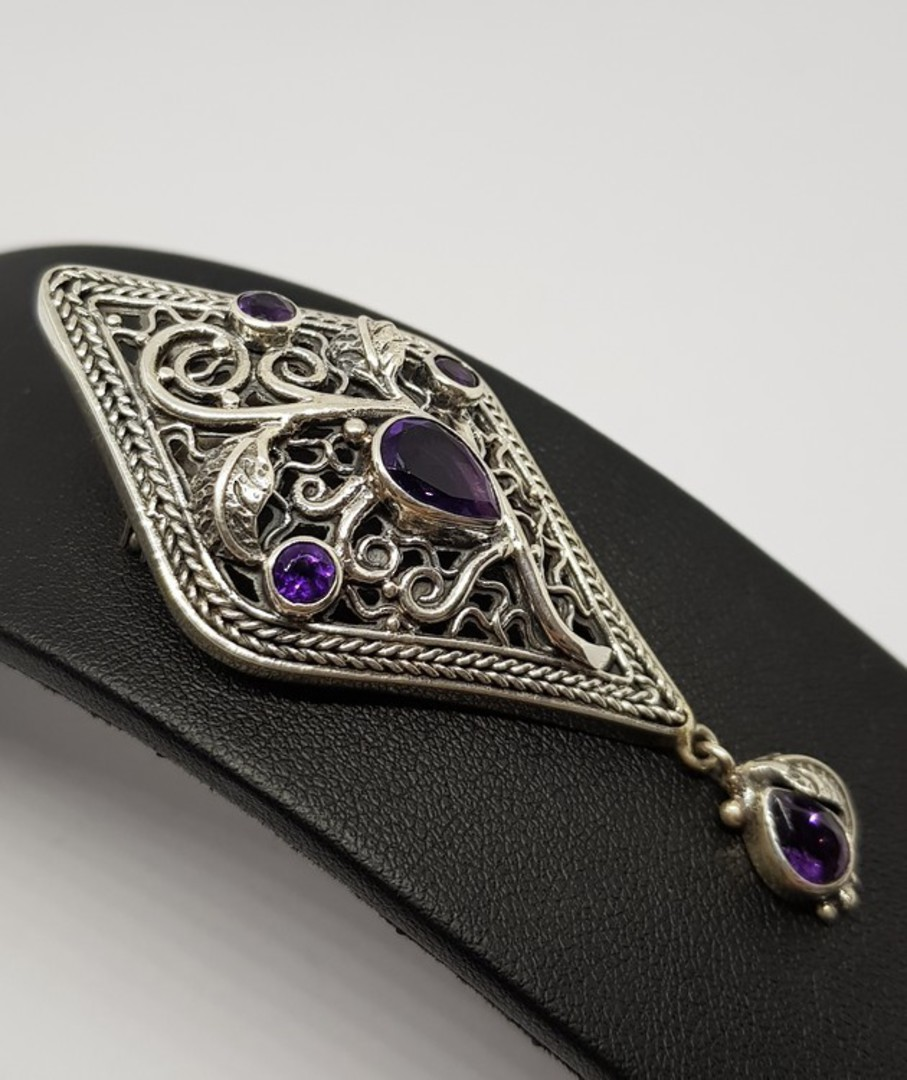 Exquisite detailing in this silver amethyst pendant that is also a brooch image 2