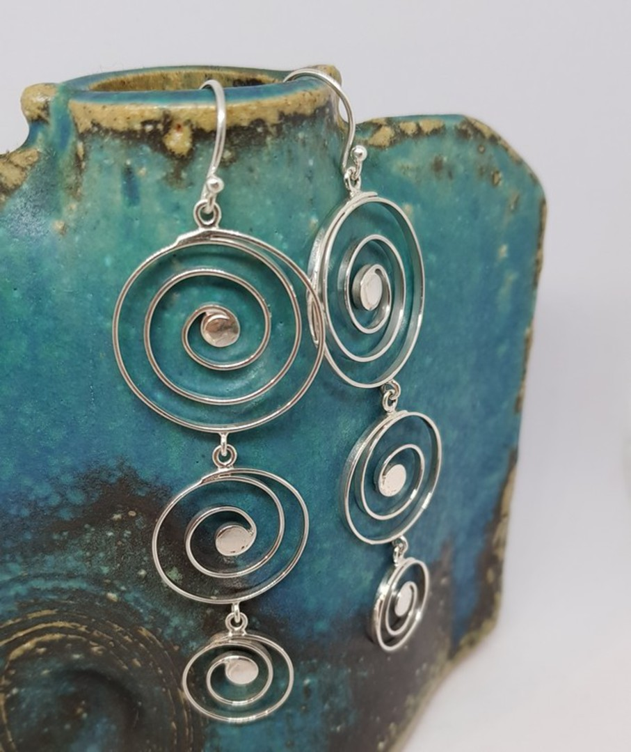 Cascading spirals of sterling silver image 0