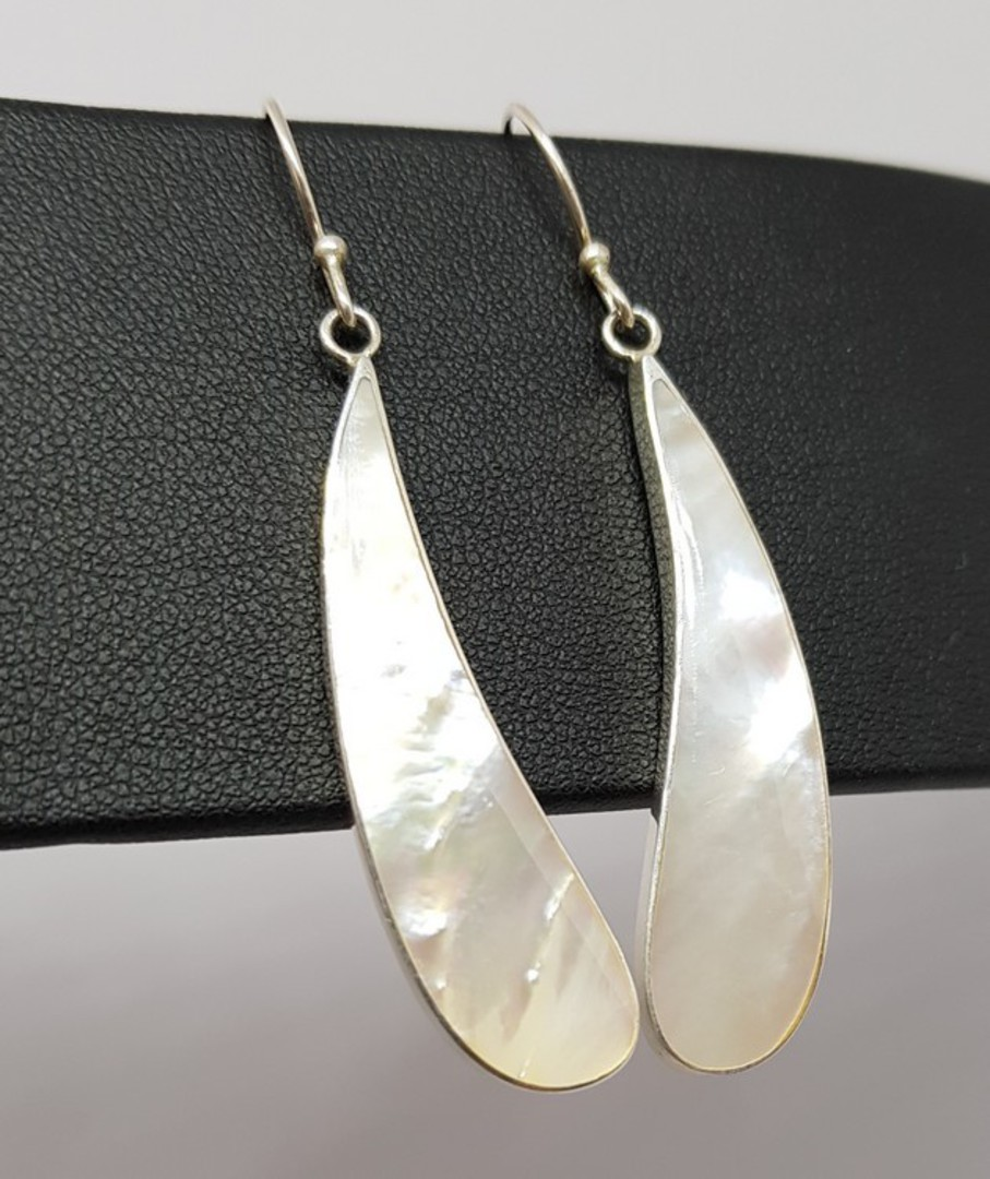 Mother of pearl silver long drop earrings image 2