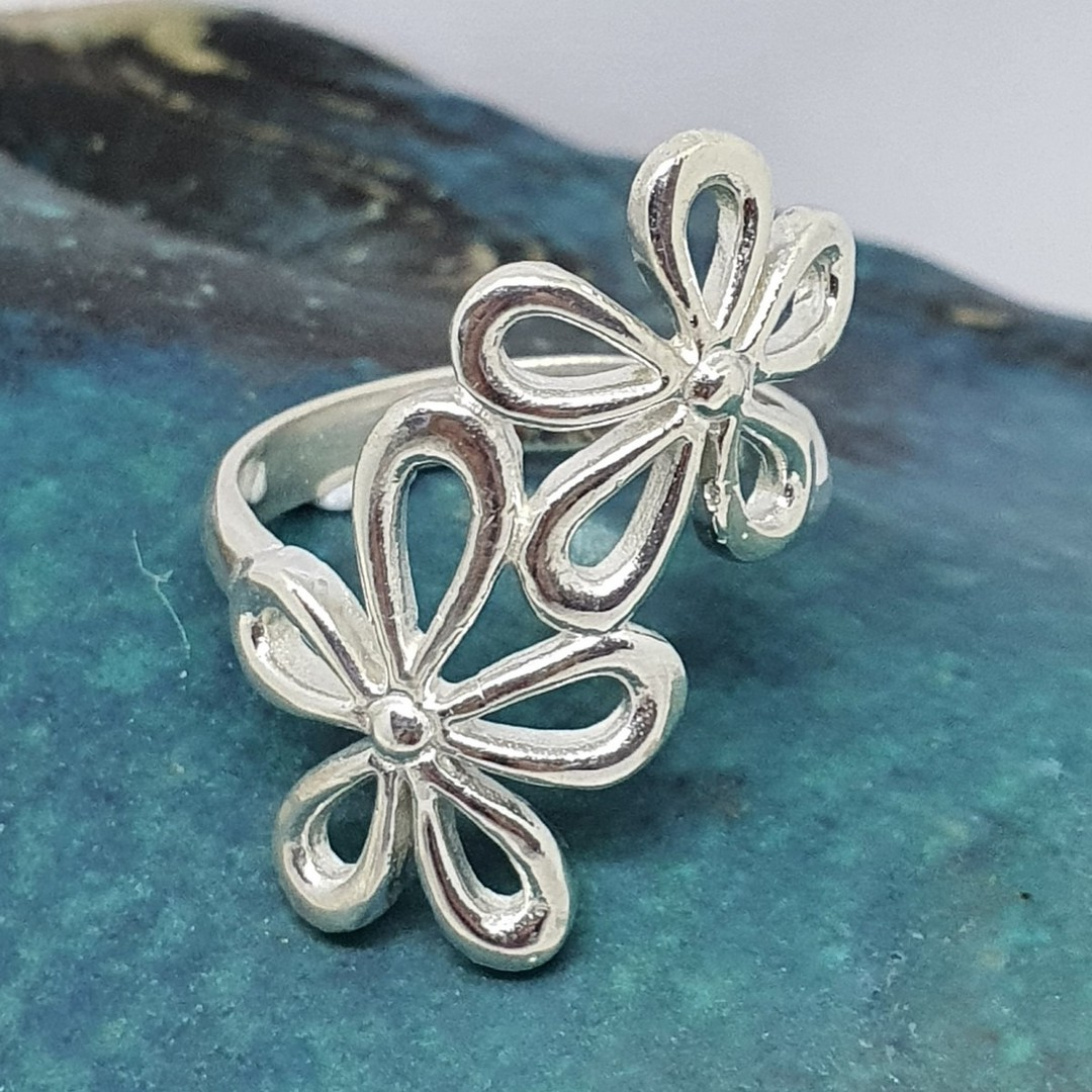 Sterling silver daisy flower ring image 3